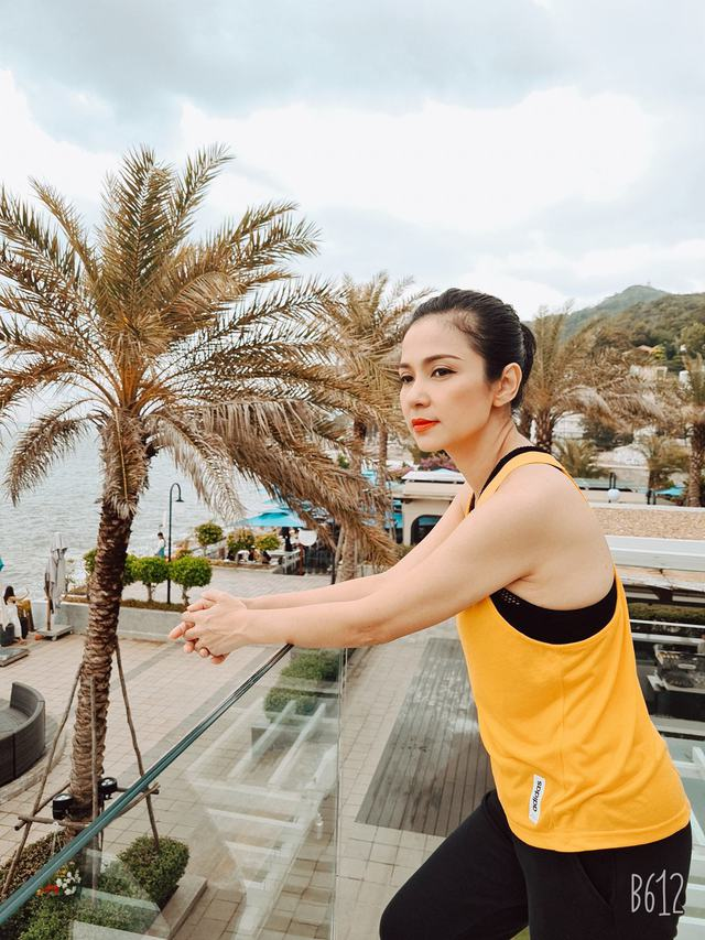 Đời thường trẻ trung tuổi 49 của diễn viên Việt Trinh - Ảnh 23.