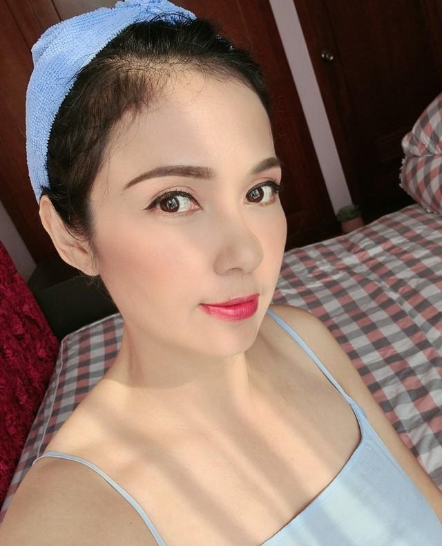 Đời thường trẻ trung tuổi 49 của diễn viên Việt Trinh - Ảnh 25.