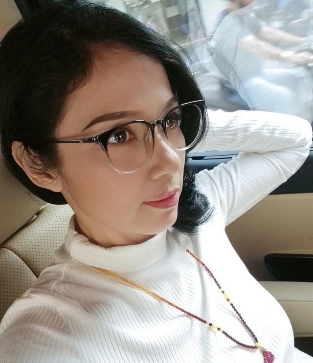 Đời thường trẻ trung tuổi 49 của diễn viên Việt Trinh - Ảnh 6.