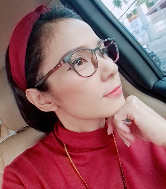Đời thường trẻ trung tuổi 49 của diễn viên Việt Trinh - Ảnh 7.
