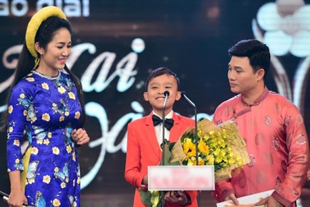 Hồ Văn Cường có gì trong tay sau 5 năm làm con nuôi, thường xuyên đi diễn cùng Phi Nhung? - Ảnh 6.