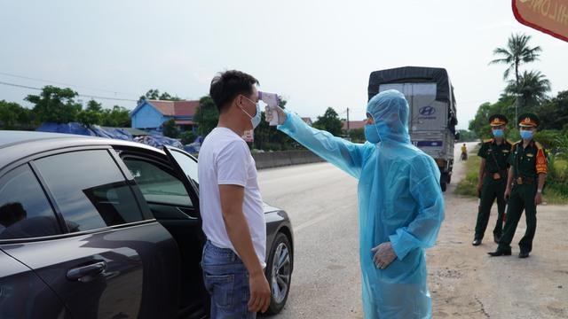 Quảng Bình thực hiện nhiều biện pháp ngăn chặn dịch xâm nhập - Ảnh 3.