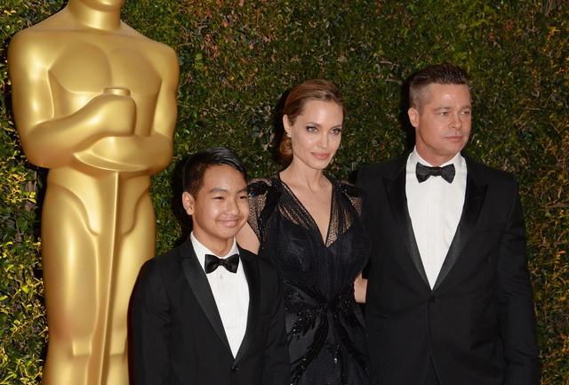Cuộc sống hiện tại của con nuôi Angelina Jolie, Tom Cruise ra sao? - Ảnh 4.