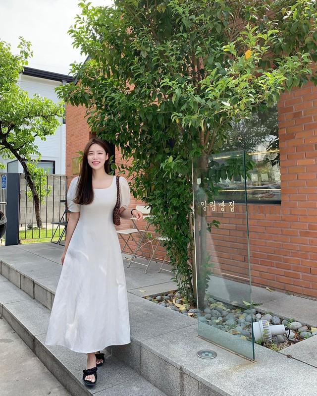 3 kiểu váy nổi nhất hè 2021, dù dịch dã nhưng nàng công sở nhất định phải sắm cho trẻ và xinh - Ảnh 15.