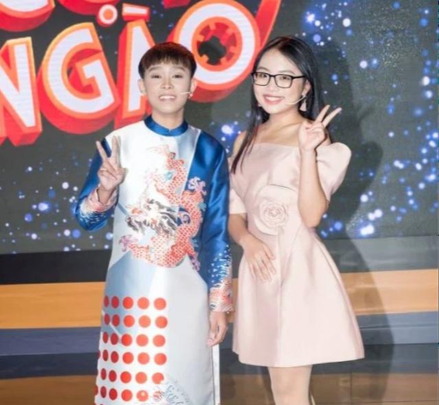 """Bầu sô nói gì về việc Hồ Văn Cường đi hát cùng Phi Nhung kiểu """"bia kèm lạc""""? - Ảnh 4."""
