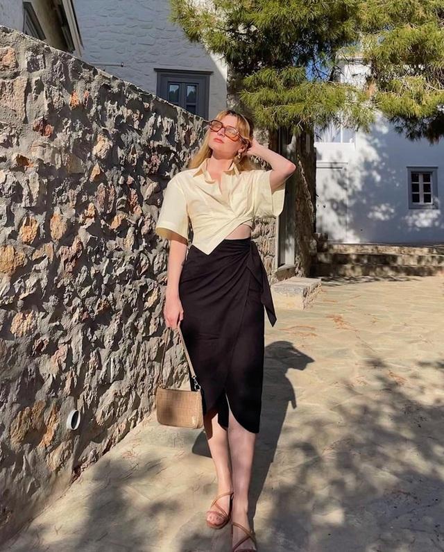 Bí quyết mix chân váy dài hack dáng của phụ nữ Pháp khiến nàng công sở Việt mê mẩn - Ảnh 3.