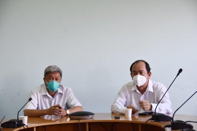 Thứ trưởng Bộ Y tế: Nhân viên y tế không tiêm vaccine không được tham gia điều trị bệnh nhân - Ảnh 5.