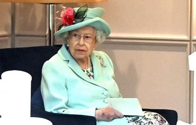 Hoàng tử Harry nhận trả lời Oprah sau khi bị tước các vai trò quân đội - Ảnh 3.