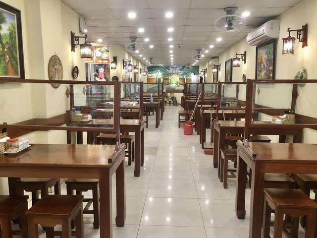 Hà Nội: Quán cà phê, ăn sáng hồ hởi đón khách sau chuỗi ngày tạm đóng cửa - Ảnh 15.