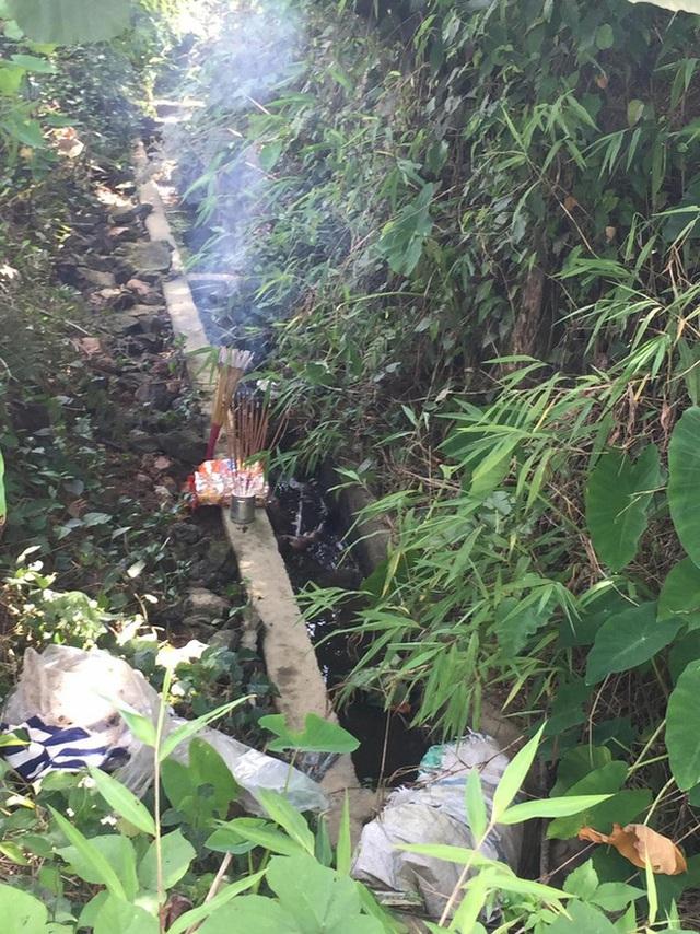 Đã tìm ra sản phụ bỏ con mới đẻ dưới cống nước ở Hà Giang - Ảnh 2.