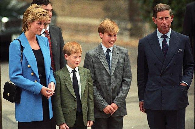 Harry đang về Anh để kịp cách ly 10 ngày trước lễ khánh thành - Ảnh 3.