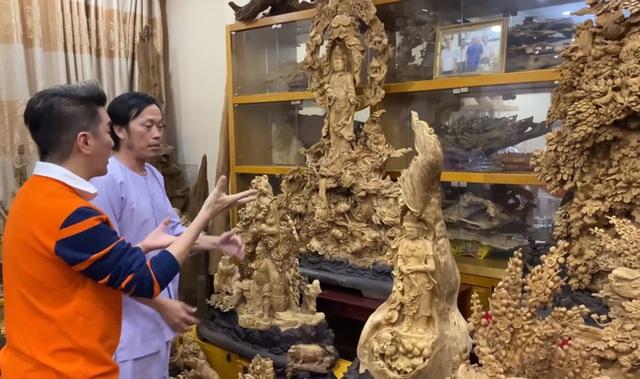 Sở hữu phòng trầm hương trị giá cả trăm tỷ đồng thế này nhưng NS Hoài Linh vẫn bị tố nợ tiền gỗ - Ảnh 2.