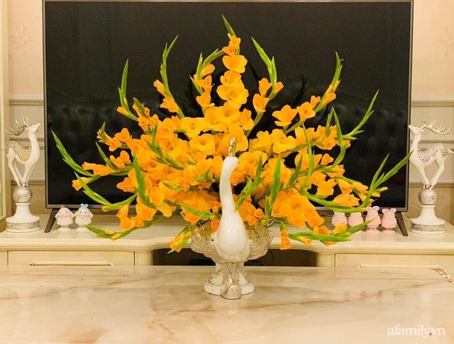 Mẹ đảm Hà Nội hướng dẫn 3 bước cắm hoa dơn hình công, cứ tưởng khó mà công thức đơn giản ai cũng làm được - Ảnh 3.