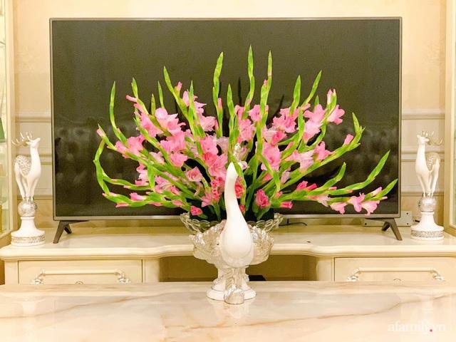Mẹ đảm Hà Nội hướng dẫn 3 bước cắm hoa dơn hình công, cứ tưởng khó mà công thức đơn giản ai cũng làm được - Ảnh 4.