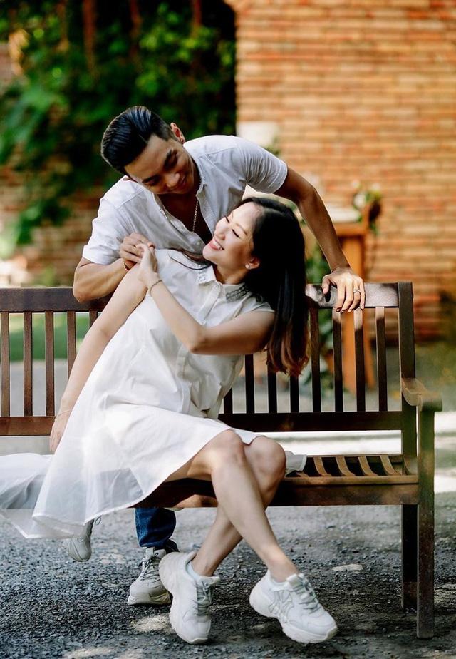 Khánh Thi tự nhận vợ già, hé lộ hôn nhân với chồng kém 11 tuổi - Ảnh 8.