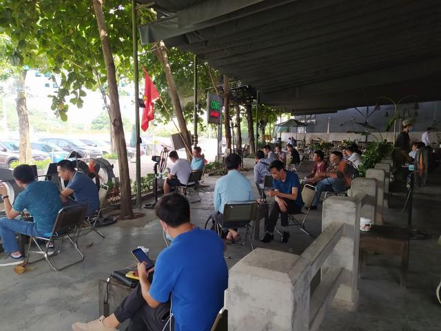 Hà Nội: Quán cà phê, ăn sáng hồ hởi đón khách sau chuỗi ngày tạm đóng cửa - Ảnh 17.