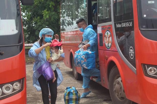 Thanh Hóa tiếp nhận 422 công dân từ Bắc Giang trở về địa phương - Ảnh 4.