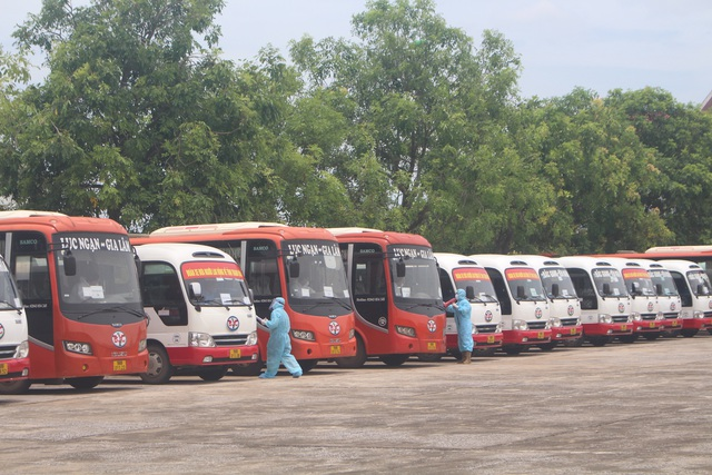 Thanh Hóa tiếp nhận 422 công dân từ Bắc Giang trở về địa phương - Ảnh 2.