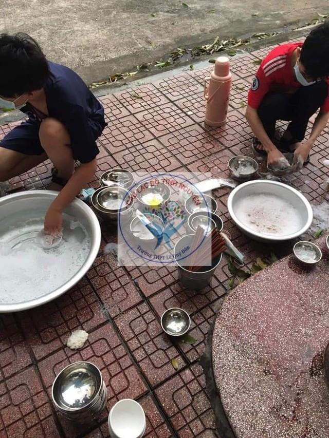 Người cha đặc biệt trong khu cách ly nam ở Nam Định - Ảnh 10.
