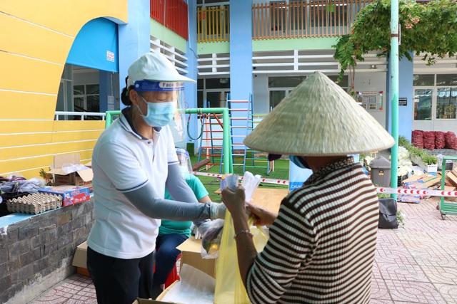 کابین گرم 0 دونگ ، خودپرداز برنج هنگام بازگشت COVID-19 به شهر هوشی مین - تصویر 8.