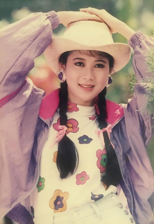 Vẻ đẹp ngôi sao điện ảnh Diễm Hương thập niên 1990 - Ảnh 3.