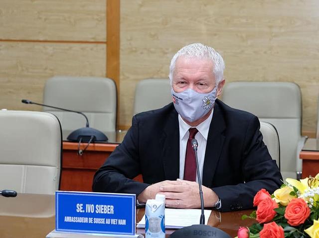 Bộ trưởng Bộ Y tế mong muốn Australia, Pháp và Úc hỗ trợ Việt Nam tiếp cận nhiều hơn với vaccine COVID-19  - Ảnh 4.