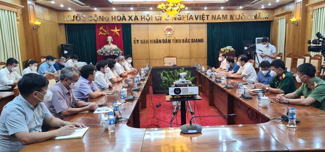 Giai đoạn chống dịch khó khăn, vất vả nhất ở Bắc Giang đã qua - Ảnh 3.