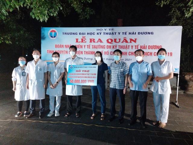Lễ xuất quân trong đêm của hơn 300 sinh viên trường Y Hải Dương chia lửa với tâm dịch TP. Hồ Chí Minh - Ảnh 4.