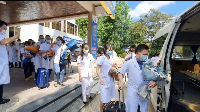 60 y, bác sĩ Nghệ An chi viện TP HCM với quyết tâm sớm đẩy lùi dịch COVID-19 - Ảnh 4.