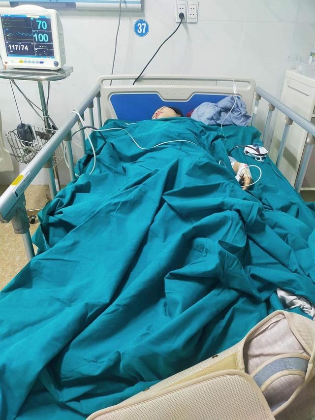 Xót xa hai mẹ con bị tai nạn thương tâm, mỗi người nằm một bệnh viện - Ảnh 3.