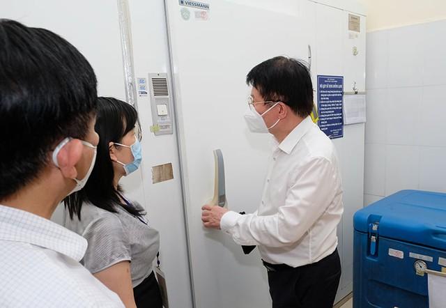 Hà Nội cần tính tình huống xấu nhất khi chuẩn bị chiến dịch tiêm vaccine để tránh bị động - Ảnh 3.