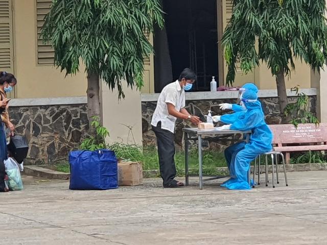 TIN VUI: Hơn 1.700 bệnh nhân Bệnh viện dã chiến số 1 TP.HCM được ra viện - Ảnh 3.