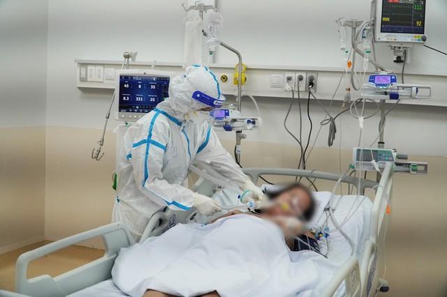 106 bệnh nhân COVID-19 nặng hồi phục ngoạn mục tại BV Hồi sức COVID-19 TP.HCM - Ảnh 2.