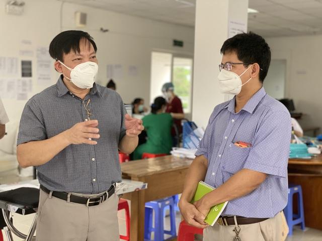 Bộ Y tế kiểm tra việc thu dung và điều trị bệnh nhân tại các bệnh viện dã chiến ở TP.HCM - Ảnh 5.