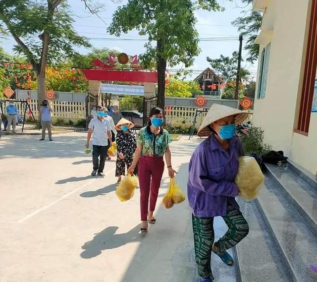 Những chuyến hàng nghĩa tình của người dân xứ Thanh chuẩn bị vận chuyển vào TP Hồ Chí Minh - Ảnh 6.