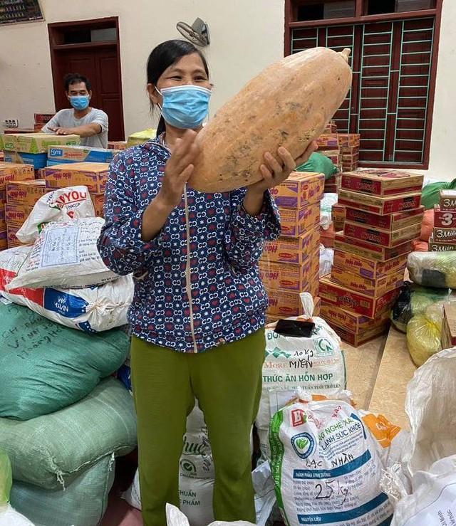 Những chuyến hàng nghĩa tình của người dân xứ Thanh chuẩn bị vận chuyển vào TP Hồ Chí Minh - Ảnh 4.