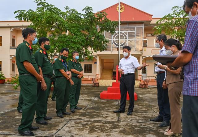 Cà Mau tích cực triển khai công tác phòng, chống COVID-19, thực hiện Chỉ thị 16 của Thủ tướng Chính phủ - Ảnh 9.