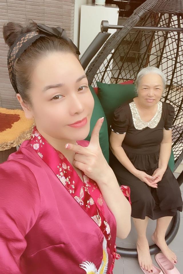 Nhật Kim Anh làm chị nông dân trong ngày giãn cách - Ảnh 2.