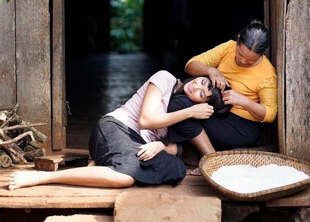 """Hoa hậu H'Hen Niê """"nói không"""" với tảo hôn ở tuổi 13 để viết nên kỳ tích - Ảnh 2."""