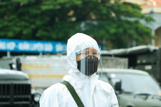 Quân đội khử khuẩn toàn Sài Gòn, quy mô lớn nhất từ trước đến nay - Ảnh 4.