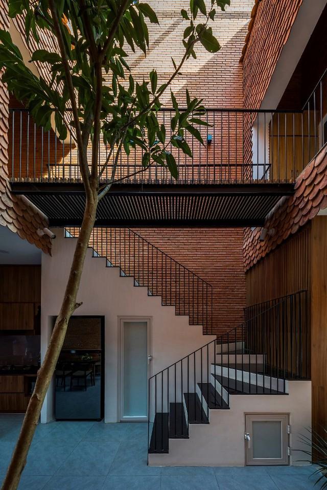 Bỏ túi 3 kinh nghiệm thiết kế cầu thang đẹp cho nhà phố - Ảnh 2.