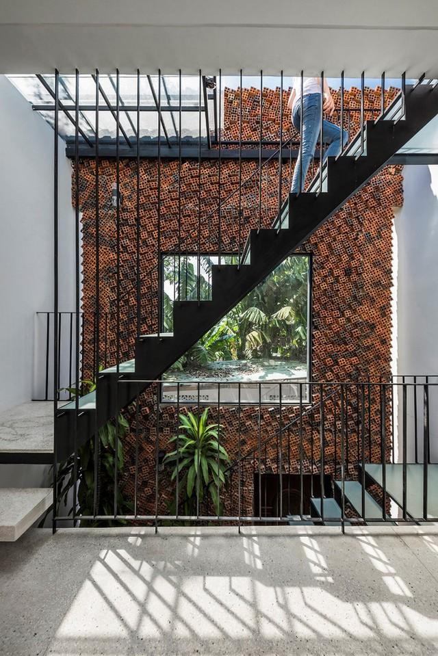Bỏ túi 3 kinh nghiệm thiết kế cầu thang đẹp cho nhà phố - Ảnh 3.