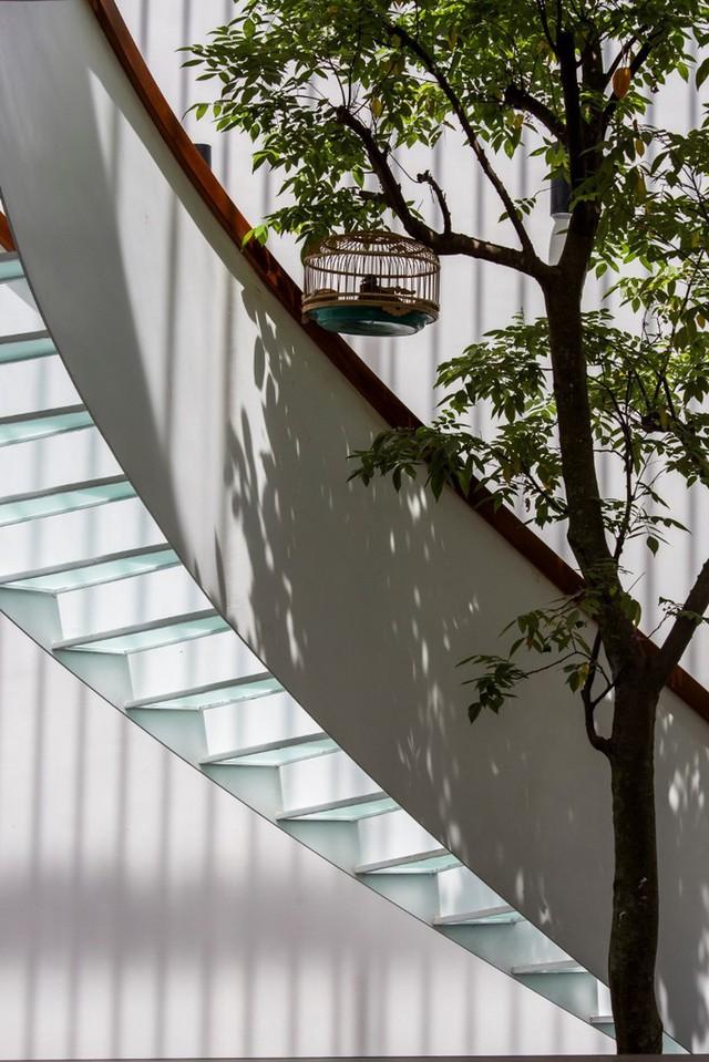 Bỏ túi 3 kinh nghiệm thiết kế cầu thang đẹp cho nhà phố - Ảnh 4.