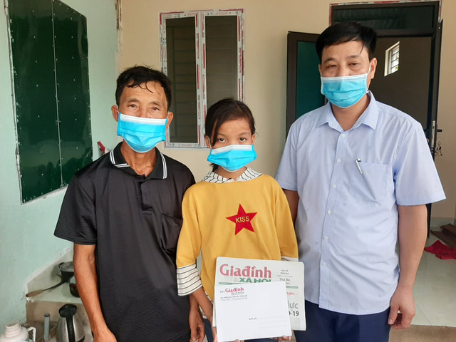 20 triệu đồng đến với nữ sinh lớp 6 mồ côi, bị bệnh hở van tim 3 lá - Ảnh 2.