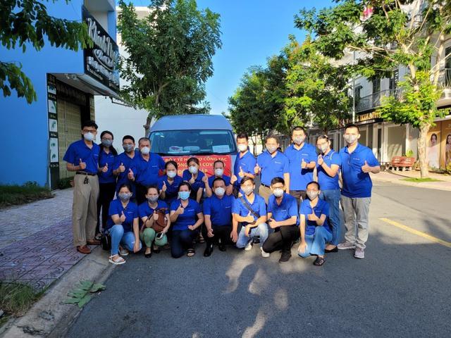 Đoàn y bác sĩ Bệnh viện TW Huế xuyên đêm chi viện cho TP.HCM chống dịch COVID-19 - Ảnh 2.