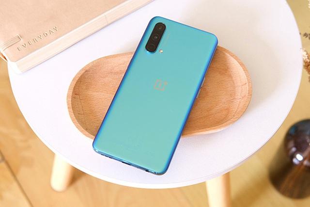 Loạt smartphone vừa ra mắt tại thị trường Việt Nam  - Ảnh 4.