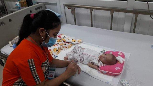 Xin hãy cứu sự sống của bé 5 tháng tuổi đang đau đớn vì bệnh tắc ruột bẩm sinh - Ảnh 3.