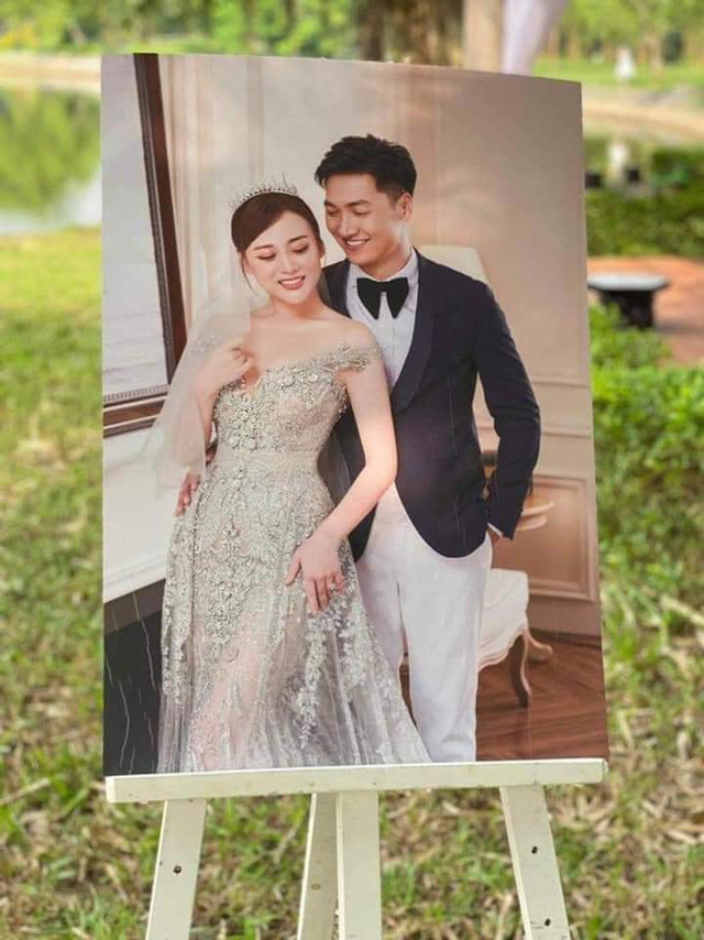 Hương vị tình thân: Long - Nam bị lộ ảnh cưới chụp cùng họ hàng, fan đua nhau lên thuyền trở lại - Ảnh 4.