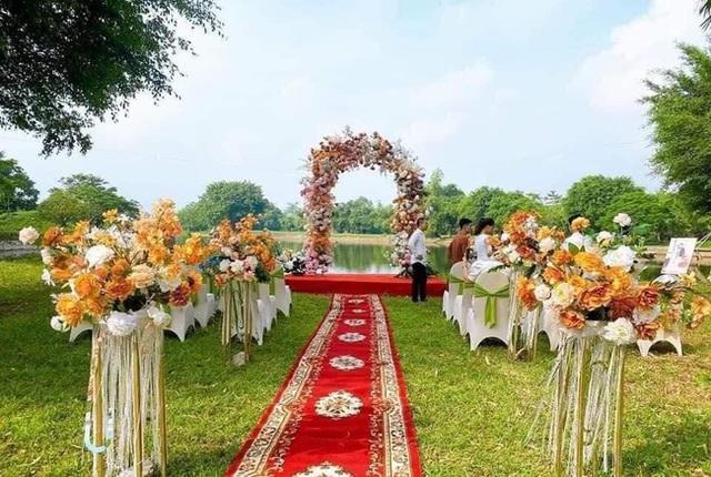 Hương vị tình thân: Long - Nam bị lộ ảnh cưới chụp cùng họ hàng, fan đua nhau lên thuyền trở lại - Ảnh 5.
