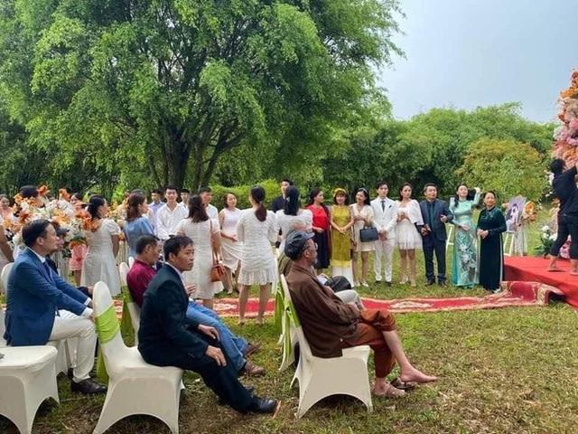 Hương vị tình thân: Long - Nam bị lộ ảnh cưới chụp cùng họ hàng, fan đua nhau lên thuyền trở lại - Ảnh 6.